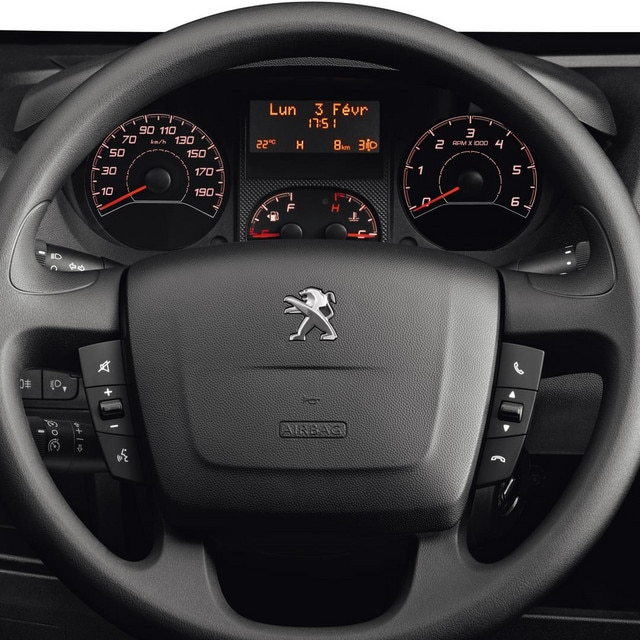 /image/83/2/peugeot-boxer-photo-interior-2-1920.91832.jpg